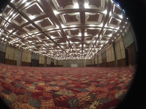 Indonesia Convention Exhibition (ICE) memiliki ruang konvensi (grand ballroom) seluas 4.000 meter persegi. FOTO: KOMPAS/ROBERT ADHI KSP