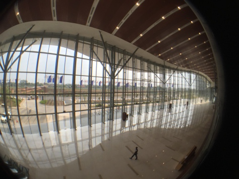Indonesia Convention Exhibition (ICE) merupakan gedung MICE terbesar di Asia Tenggara. Dibangun di lahan seluas 22 hektar di BSD City, Tangerang, Banten, ICE menjadi ikon MICE dan kebanggaan Indonesia. FOTO: KOMPAS/ROBERT ADHI KSP